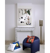 The tapestry and Miró, hangings inspired by paintings by the Spaniard